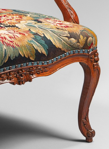 Seating  - Pair of Natural Wood Armchairs Decorated with a Beauvais Tapestry