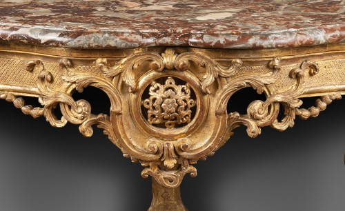 "Carved Giltwood Console ""d'applique"" -"