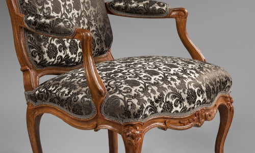Nicolas Heurtaut, exceptional suite of eight armchairs for the Queen - Seating Style Louis XV