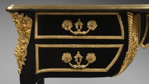 18th century - Bureau plat in ebony, Paris Régence period
