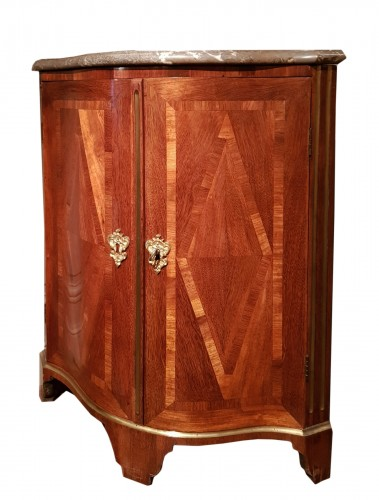Corner  cabinet of Regence period in amaranth and satin