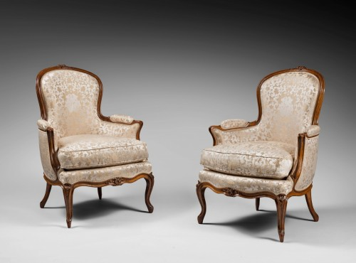 "18th century - Pair of ""Bergères"" in cabriolet, Louis XV period"