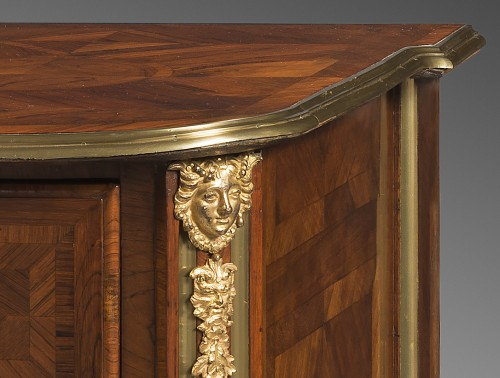 Franch Regency period, Chest of drawers by Thomas Hache - Furniture Style French Regence