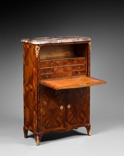 "Elegant ""alcove"" Secretary, Louis XV period, stamped by Denis Genty - Furniture Style Louis XV"