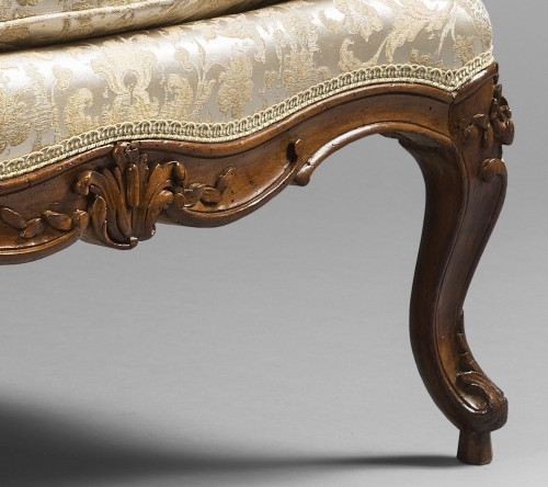"""Remarkable Louis XV period """"Marquise"""" - Seating Style Louis XV"""