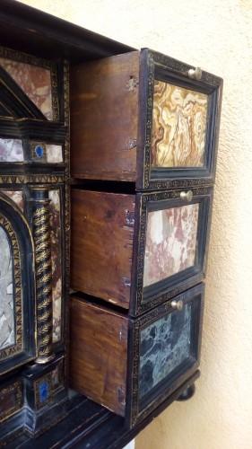 - Venetian cabinet