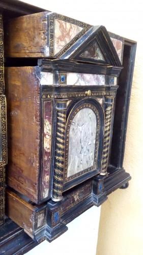 Antiquités - Venetian cabinet