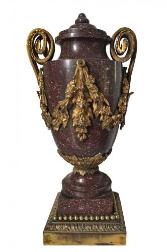 Porphyre vase