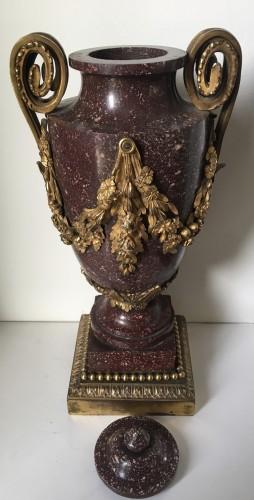 Porphyre vase  - Louis XVI