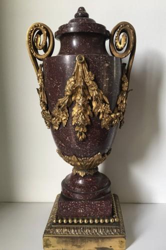 Louis XVI - Porphyre vase