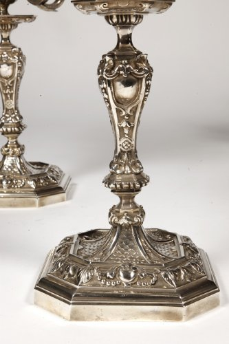 19th century - Pair of silvered bronze candelabra, late XIXth