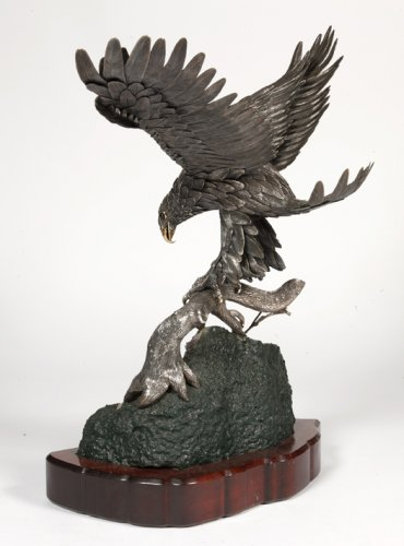 - Eagle in silver on amethyst stone base, Italy XXth