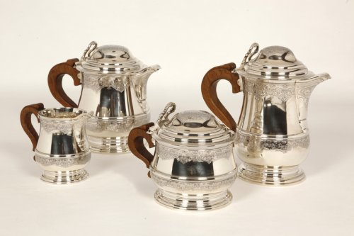 - Tea/Coffee set and its tray in silver - XXth - by Fouquet Lapar
