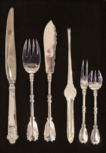 - Cutlery set in silver, 237 pieces, by R. Linzeler