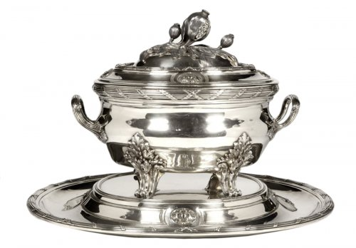 Soup tureen in silver and its tray - Late XIXth by Puiforcat
