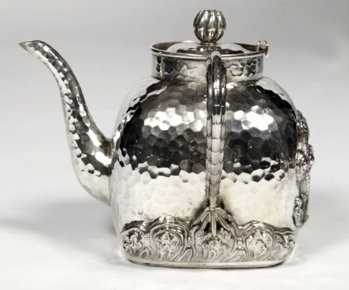 Chinese silver teapot - early 20th by Tu Mao Xing  - Antique Silver Style