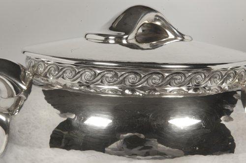 Silver soup tureen - 1950 by silversmith Tétard -