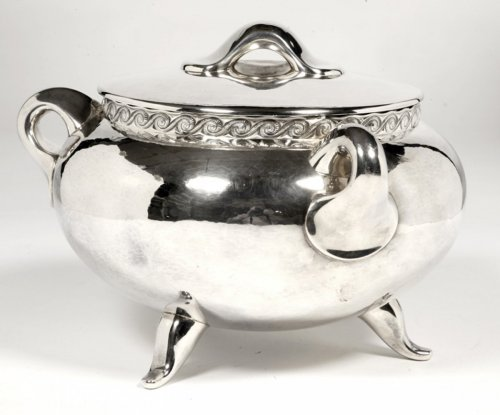 Antiquités - Silver soup tureen - 1950 by silversmith Tétard