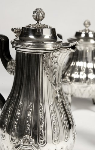 Antiquités - Tea coffee set in silver late 19th century by silversmith Cardeilhac
