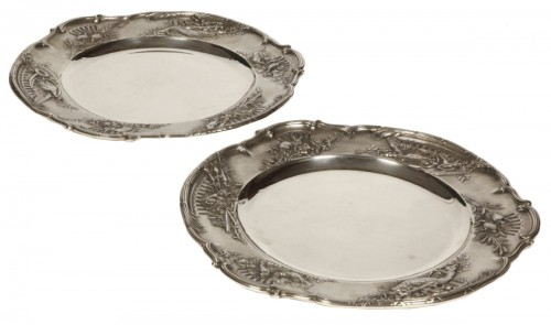 Pair of solid silver plates, early 20th  by J. Chaumet