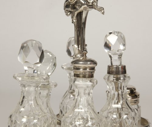 19th century - Odiot - condiment cabaret in silver and crystal flacons