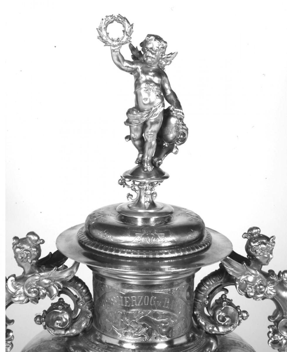 Grand vase de decoration en argent par r mayer xixe for Grand objet deco