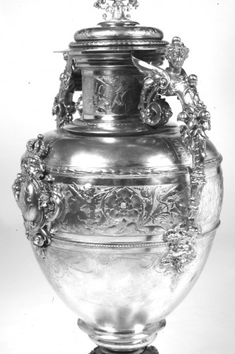 19th century - Large silver decoration vase by R. Mayer