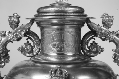 Napoléon III - Large silver decoration vase by R. Mayer