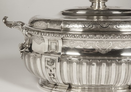 Puiforcat - Covered terrine in silver and its lining - Antique Silver Style