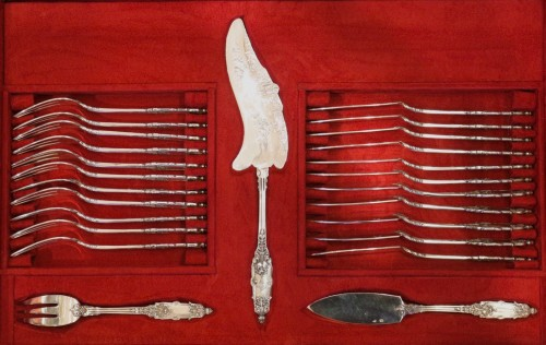 Antique Silver  - Cutlery set  in sterling silver 188 pieces by PUIFORCAT