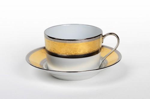 "Porcelain & Faience  - Set of eight tea cups Haviland ""Grand Palais Or"""
