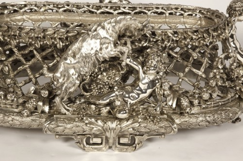 Antique Silver  - Bronze silver-plated ovale jardinière by the Silversmith FANNIERE FRERES