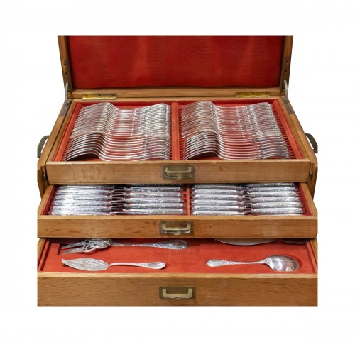 "PUIFORCAT Silver cutlery 207 pieces model ""Aux iris"""