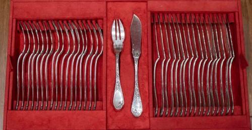 """Antiquités - PUIFORCAT Silver cutlery 207 pieces model """"Aux iris"""""""