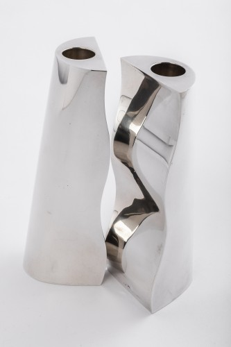 Antiquités - HERMES - Pair of design candlesticks in sterling silver