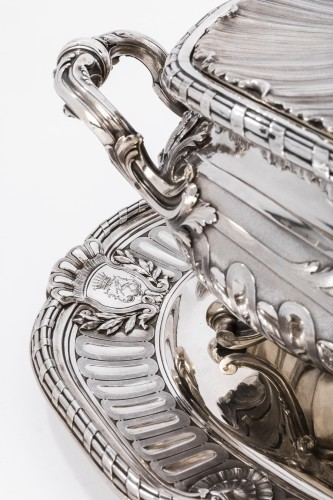 Napoléon III - Silversmith Gustave Odiot - Large terrine of aparat on his dormant