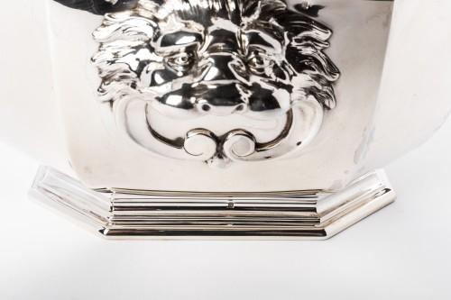 Antiquités - Puiforcat -Soup tureen covered in solid silver