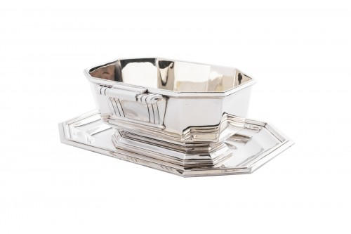 Art deco silver sauce boat by Lappara