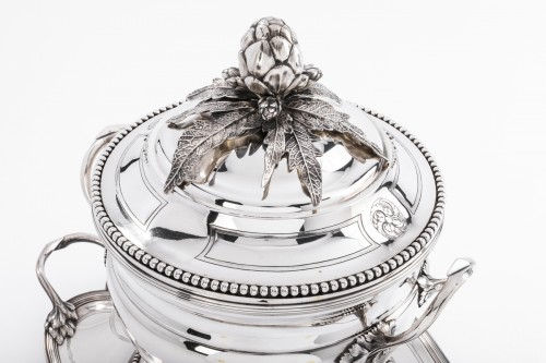 André AUCOC Important soup tureen and its XIXth century solid silver stand -