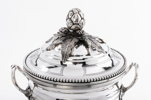 19th century - André AUCOC Important soup tureen and its XIXth century solid silver stand