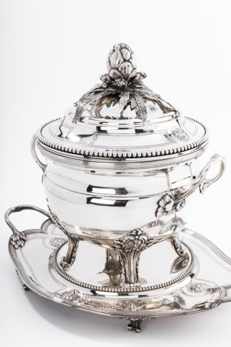 André AUCOC Important soup tureen and its XIXth century solid silver stand - Napoléon III