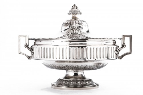 Goldsmith Gustave ODIOT - Large Terrine of ceremonial silver nineteenth