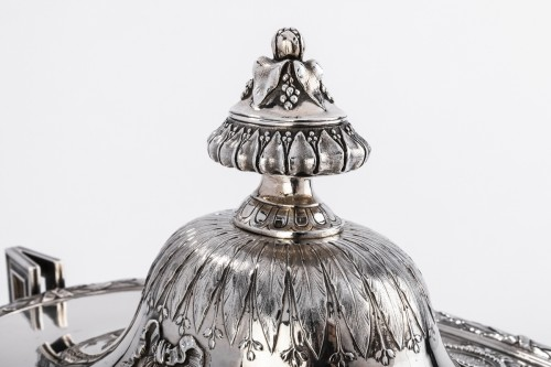 Goldsmith Gustave ODIOT - Large Terrine of ceremonial silver nineteenth -
