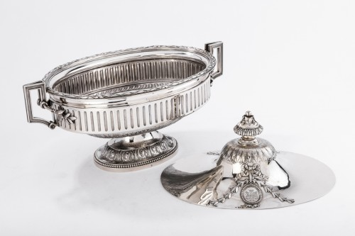 Antiquités - Goldsmith Gustave ODIOT - Large Terrine of ceremonial silver nineteenth
