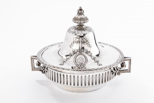 Antique Silver  -  GUSTAVE ODIOT (1865/1894) - Vegetable dish in sterling silver 19th