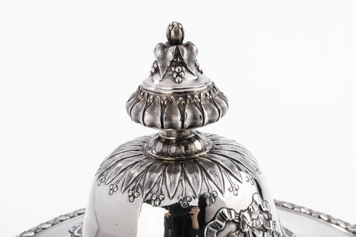Antiquités -  GUSTAVE ODIOT (1865/1894) - Vegetable dish in sterling silver 19th