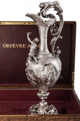 ODIOT SILVERSMITH IN PARIS  - Exceptional EWER in solid silver XIXth