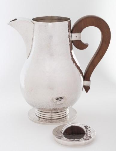 Antiquités -  Goldsmith JEAN DESPRES - Sterling silver jug ??hammered twentieth 1940