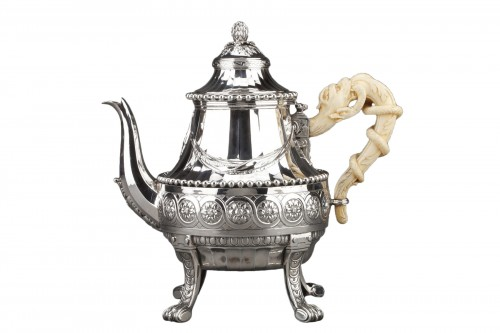 Goldsmith CARDEILHAC - Important Teapot in sterling silver and ivory 19th