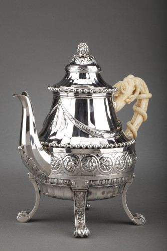 Antiquités - Goldsmith CARDEILHAC - Important Teapot in sterling silver and ivory 19th